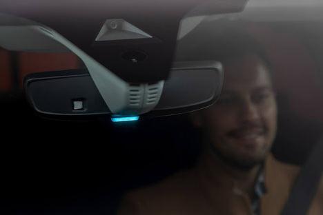 Opel Grandland X ahora conduce con luz azul