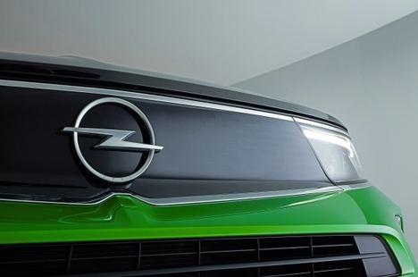 El legendario logo de Opel