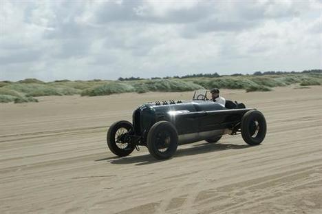 """El """"Monstruo Verde"""" de Opel de 1914 en acción"""
