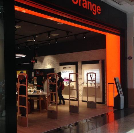 Orange apuesta por los sistemas antihurto de Checkpoint Systems