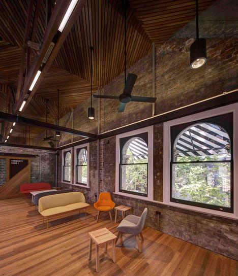 Originales rayas para un impacto arquitectónico máximo