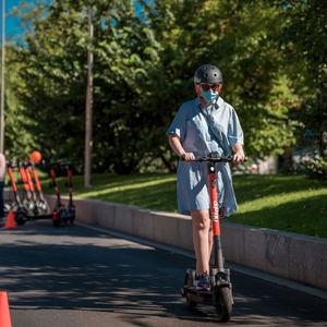 Gran éxito de participación en Madrid en la academia de formación de patinetes eléctricos Spin Scooter Academy by RACC