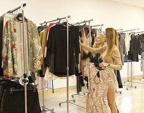 Alquiler de ropa mensual: la startup española Pislow reinventa el fast-fashion y lo hace sostenible