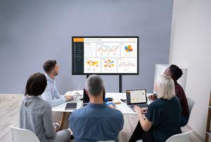 """Sharp lanza dos pantallas interactivas 4K de 43"""" y 50"""" para reuniones de trabajo y de formación en espacios reducidos"""
