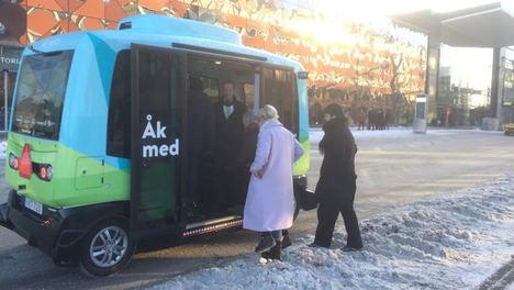 Estocolmo pone en marcha su primer autobús autónomo, con tecnología de Ericsson