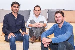 Suraj Shirvankar, Fernando Benito y Xavier Rosales, fundadores de Paack.