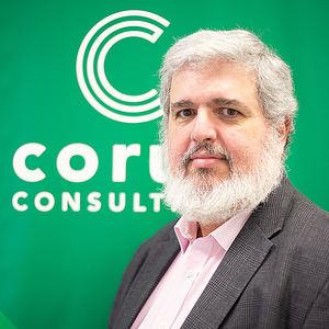 Pablo Almunia,  Corus Consulting.