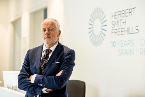 Herbert Smith Freehills ficha a Pablo García Mexía para liderar la nueva práctica de derecho digital