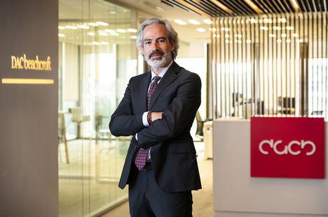 DAC Beachcroft refuerza su oficina española con el fichaje de Pablo Guillén, socio de Clyde & Co