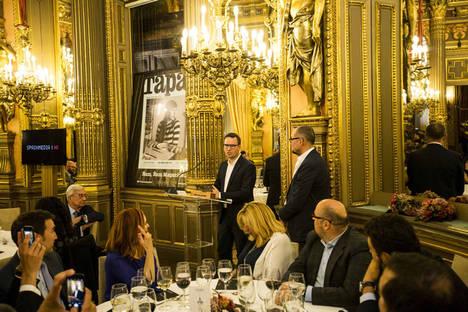 Paco Morales recibe el Premio 'Chef of the Year'