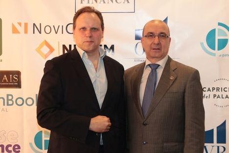 Daniel Lacalle (Izda.) y Jordi Paniello, presidente de la Asociación de Asesores de Inversión, Financiación y Peritos Judiciales.