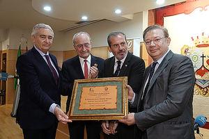 Antonio  Pedraza, Francisco De la Torre, Francisco Javier Lara y Francisco Javier Orduña, en el salón de actos del Colegio de Abogados de Málaga.
