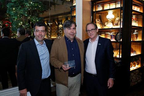 Pedro Camps de Iecisa con el Premio HPE.