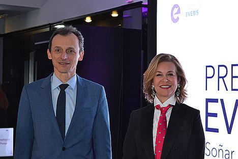 Pedro Duque, Ministro de Ciencia, Innovación y Universidad y Noemí Sanín, presidente de Fundación everis.