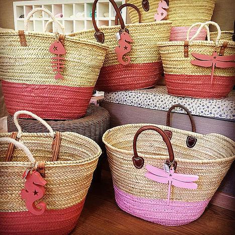La cesta más ideal y solidaria de este verano la encontrarás en Pequeña Moma