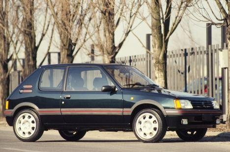 Peugeot 205 GTI Plus, lujo Deportivo de principios de los 90