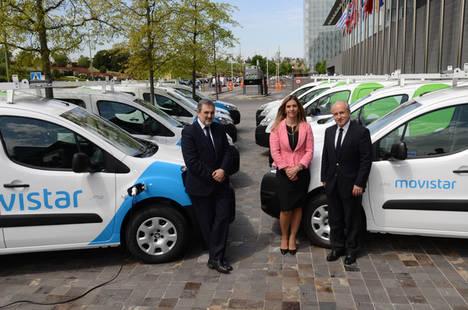 Telefónica, pionera en incorporar diez vehículos eléctricos de Peugeot a su flota profesional de operaciones y red