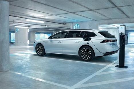 La gama Plug-in Hybrid de Peugeot ya está en España