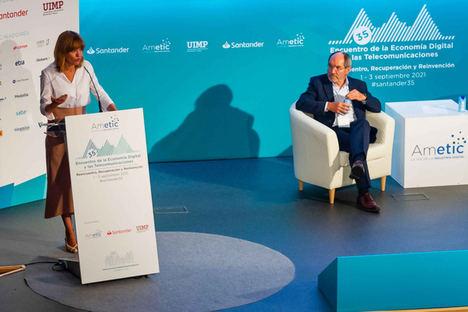 """Pilar Alegría, en el evento de AMETIC: """"Debemos cerrar la triple brecha digital de nuestro sistema educativo en el acceso, las competencias digitales y la configuración de entornos virtuales de los centros educativos"""""""