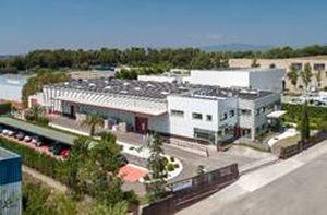 Plasticband remodela sus instalaciones para doblar su capacidad de producción y pasar de 500 máquinas anuales a 1.000 en 3 años