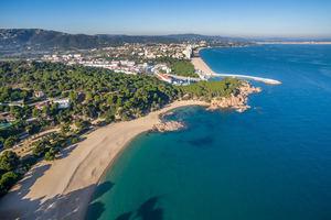 aCapital gestiona la venta de una parcela de más de 4.800m2 en Playa de Aro a la compañía Kronos por un importe de 14,5 M€
