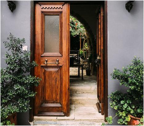 ¿Por qué necesitas los servicios de lacado para las puertas de tu hogar?