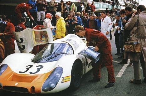 Porsche logró su primera victoria absoluta en Le Mans hace 50 años