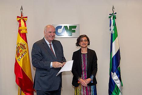 José Antonio García Belaunde, representante en Europa de CAF y María López Escorial, presidenta de la Fundación Compromiso y Transparencia.