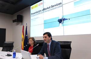 Marisa Poncela, secretaria de Estado de Comercio y Francisco Javier Garzón, consejero delegado de ICEX España Exportación e Inversiones.