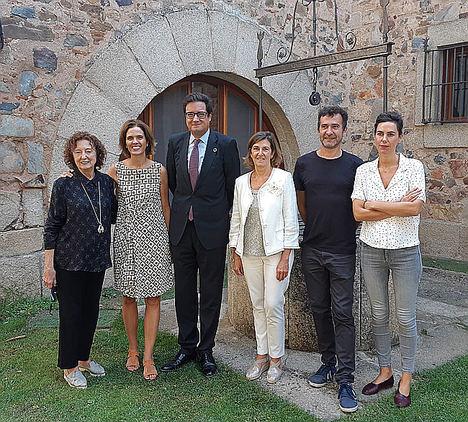 Paradores y La Fundación Caja de Extremadura presentan la exposición 'Arte en la red de Paradores… Obra Invitada'