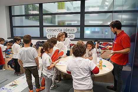 Thinkids regresa a VASS: los adultos concilian mientras los menores aprenden a innovar en los días sin cole