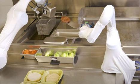 Primeros robots camareros y cocineros para el sector hostelero