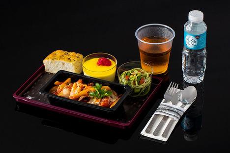 Qatar Airways lanza 'Quisine', una nueva experiencia a bordo que eleva la experiencia de viaje de los pasajeros en Clase Turista