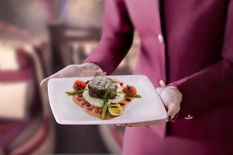 Qatar Airways lanza un nuevo servicio a bordo de pre-selección de menú para los pasajeros de Clase Premium