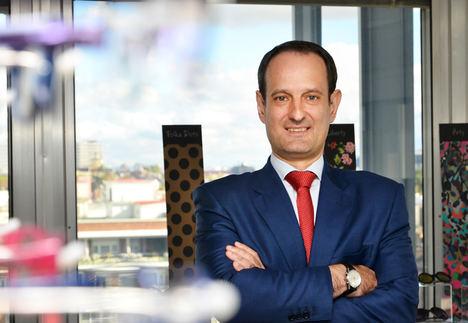 Ricardo Santiago, Alain Afflelou.