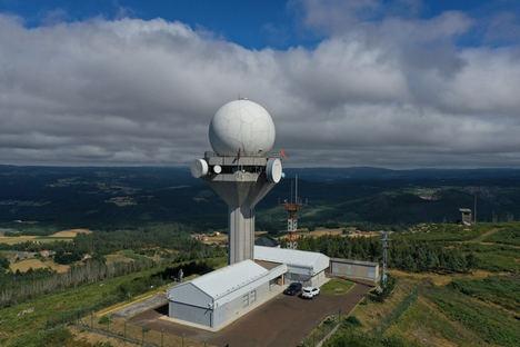 ENAIRE pone en servicio hoy en A Coruña un nuevo radar con una inversión de más de un millón de euros