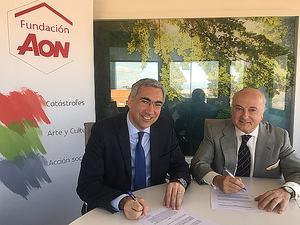 Raúl Antón, Director de la Escuela de Ingenieros Tecnun de la Universidad de Navarra, y Pedro Tomey, Director General de la Fundación Aon España.