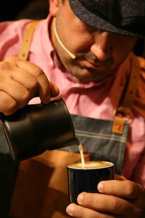 Rayco Paz Rodríguez es quien prepara los mejores cafés en la Comunidad de Madrid