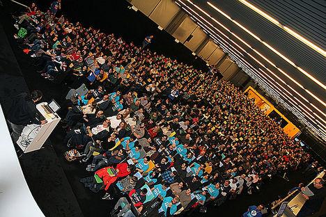 585 personas baten el primer Récord Guinness del ámbito tecnológico en España