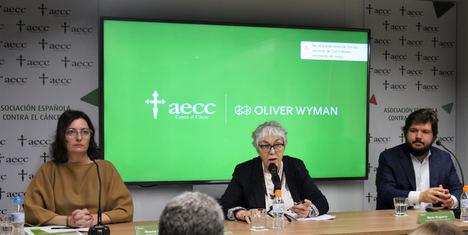Noema Paniagua, directora general AECC, Esther Diez, responsable de comunicación y Mario Esquerra, consultor experto OW.