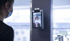 Las autoescuelas instalarán accesos biométricos en las aulas para los cursos de transportistas