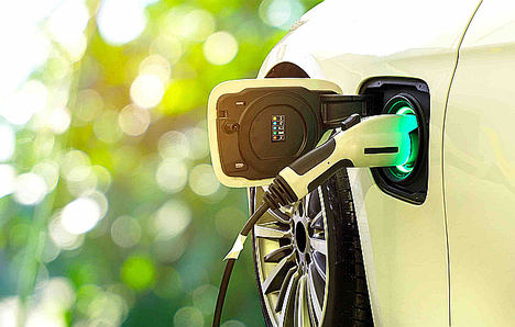 Reino Unido lanza un plan para poner cargadores de coche eléctricos en todos los hogares nuevos