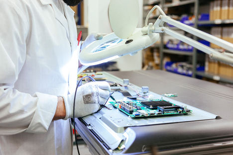Reparación de dispositivos electrónicos: ¿mejor el servicio técnico oficial?