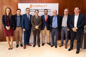 Responsables de Hispalyt, Autoridades de la Xunta y fabricantes gallegos de cerámica estructural.