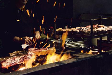 """Vincci Selección Estrella del Mar 5* enciende las brasas de su restaurante """"El Mercado de Baraka Night & Grill"""""""