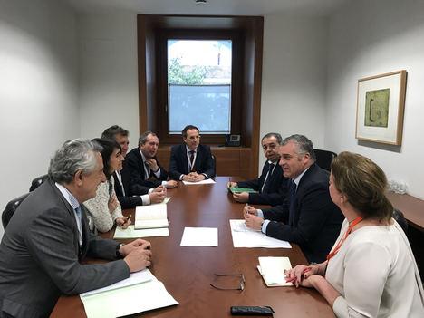 Aege presenta al consejero de empleo, empresa y comercio propuestas para mejorar la competitividad de la industria electrointensiva implantada en Andalucia