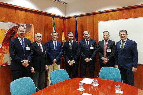 Las renovables andaluzas piden al consejero de Hacienda, Industria y Energía que lidere la transición energética desde Andalucía
