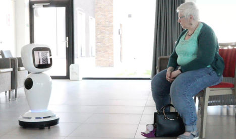 Alisys cede robots sociales para acompañar a los mayores durante el aislamiento