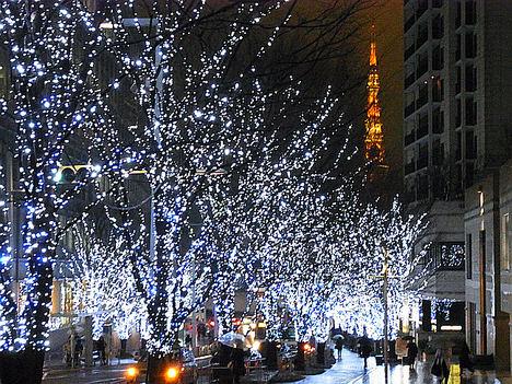 Tokio inunda sus calles de luz en Navidad y Fin de Año