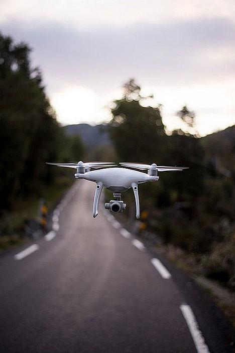 Ruanda comienza a utilizar drones para el transporte de sangre, según Uniservi